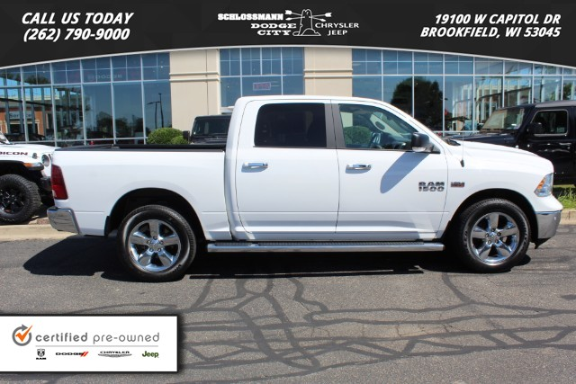 Certified Pre-Owned 2017 Ram 1500 4WD Big Horn Crew Cab