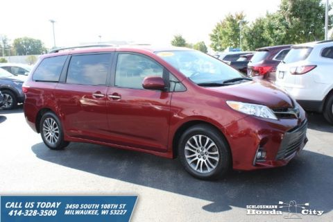 Pre-Owned 2018 Toyota Sienna Limited 7 Passenger